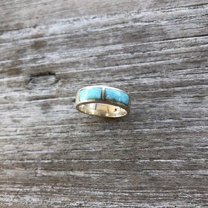 Jewelry - Genuine stone silver ring